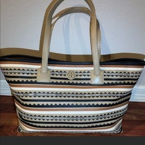 Good condition Tory Burch Tote